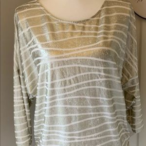 Chico' women's blouse size one silver/ white